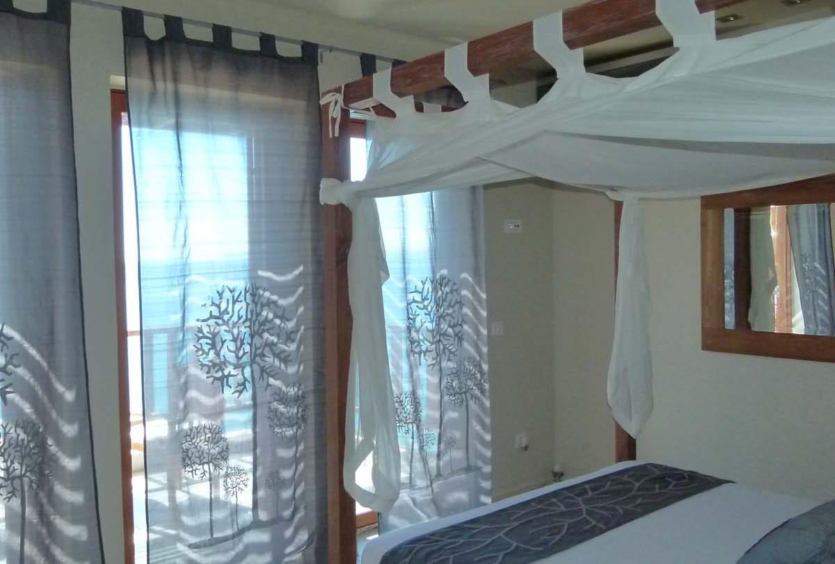 012 master bed2 1200x811 - OIK1K4 Villa Kalamos