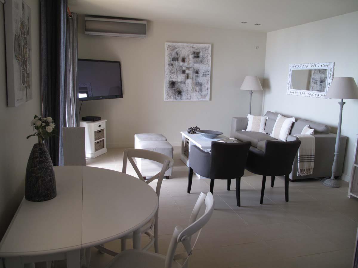 018 livingroom 1200x900 - OIK1K4 Villa Kalamos