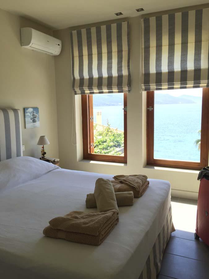 023 firstfloorbedroom1 - OIK1K4 Villa Kalamos