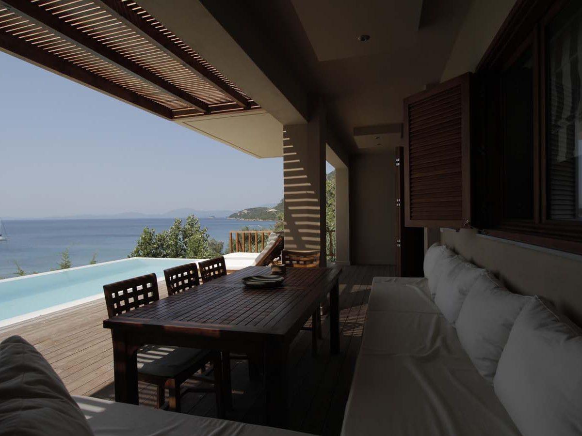 07 outdoor dining 1200x900 - OIK1K4 Villa Kalamos