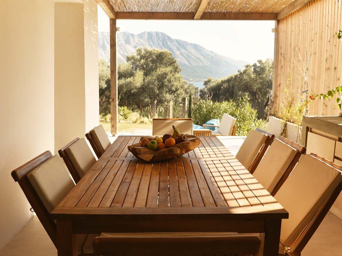 18 OIK59.2 EXTERNAL DINING AREA 2 1200x900 - Villa Mouria