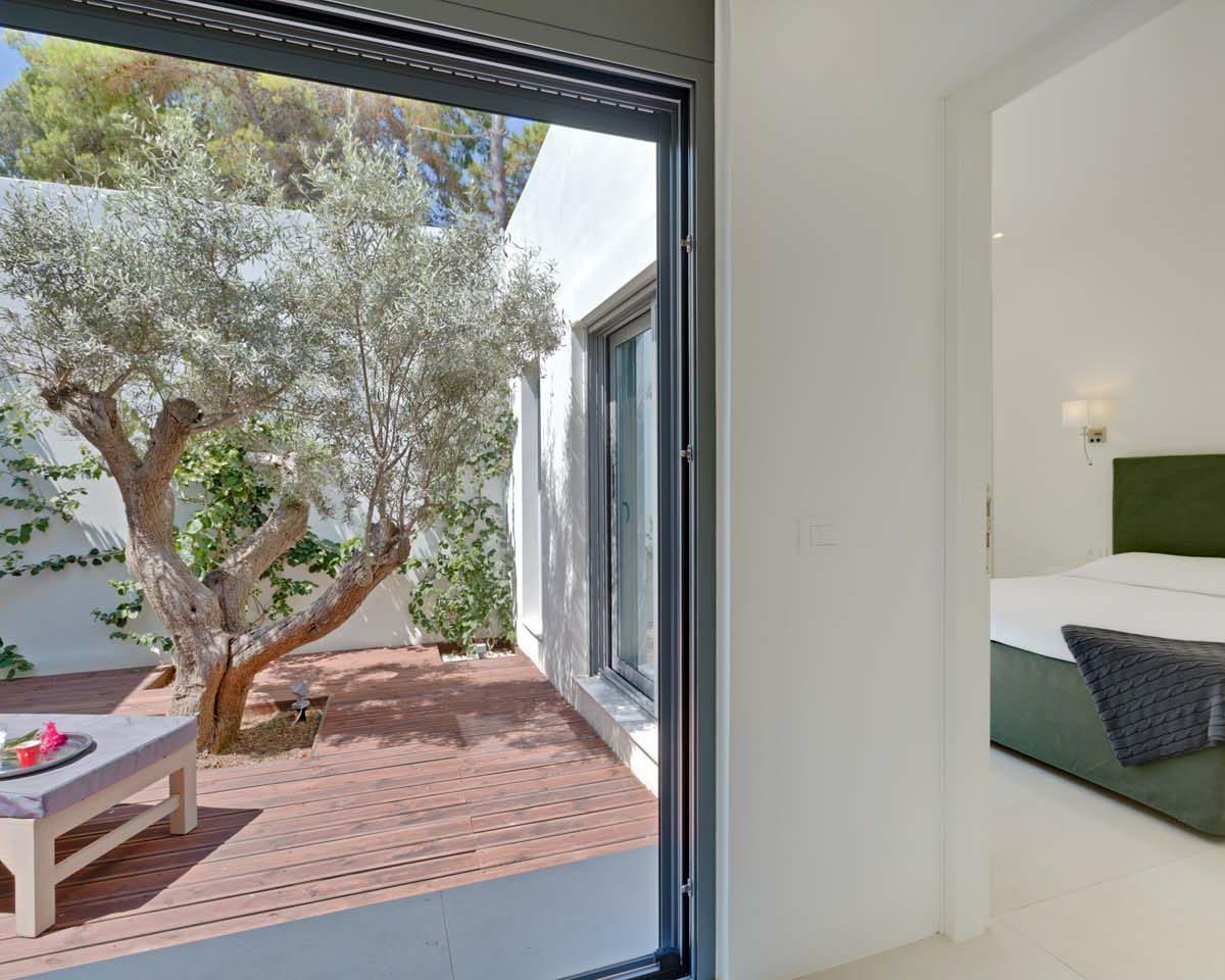atrium bedroom 3 1200x960 - OIK34B Villa Kastos