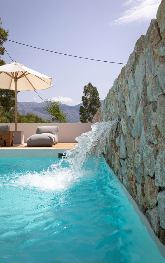 03 waterfalldetail - OIK5.12 Arion Seaside Suites