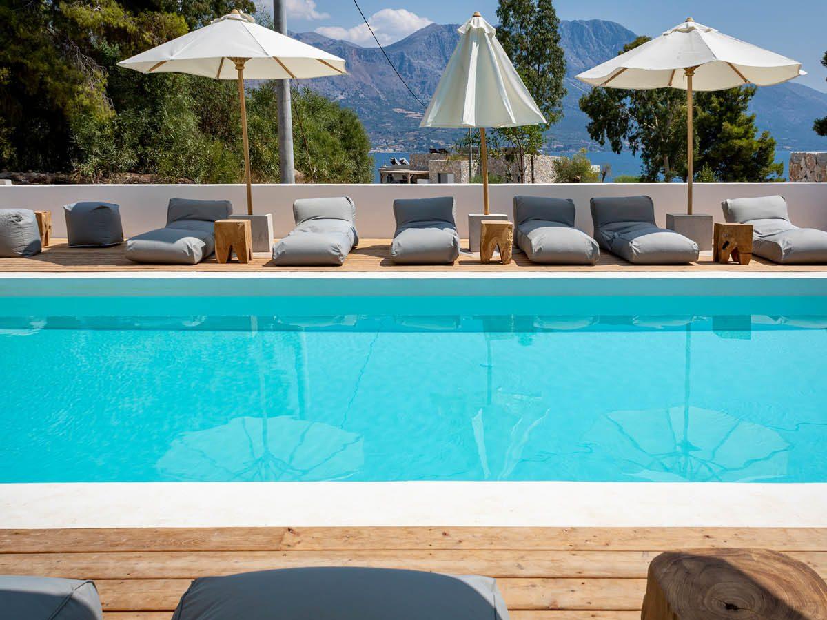 04 poolviewside 1200x900 - OIK5.12 Arion Seaside Suites