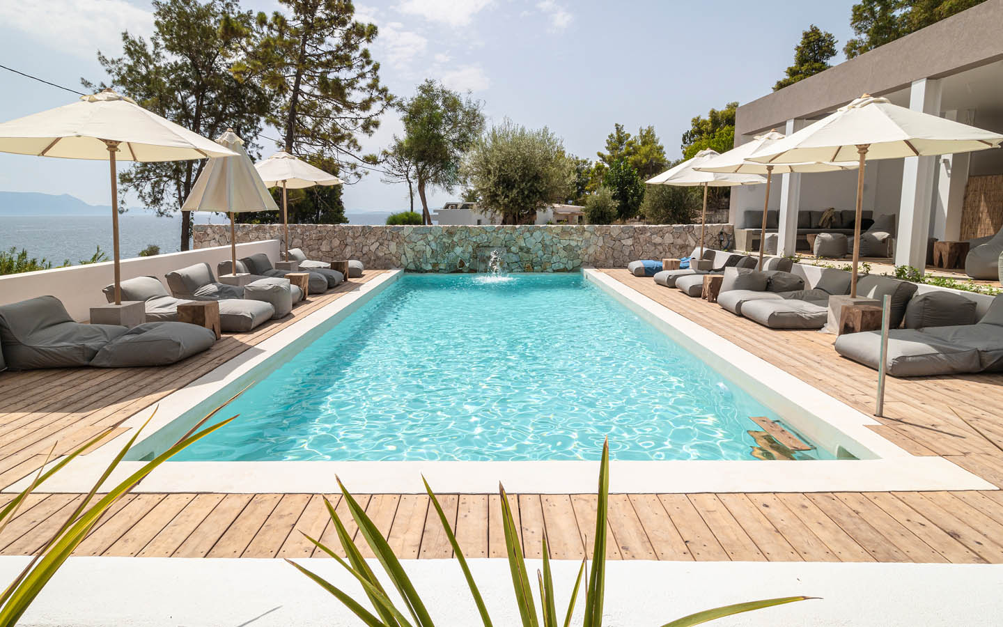 07 poolcentralview - OIK5.12 Arion Seaside Suites