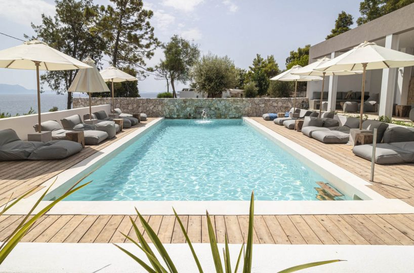 06 poolcentralview scaled 1 818x540 - OIK5.12 Arion Seaside Suites