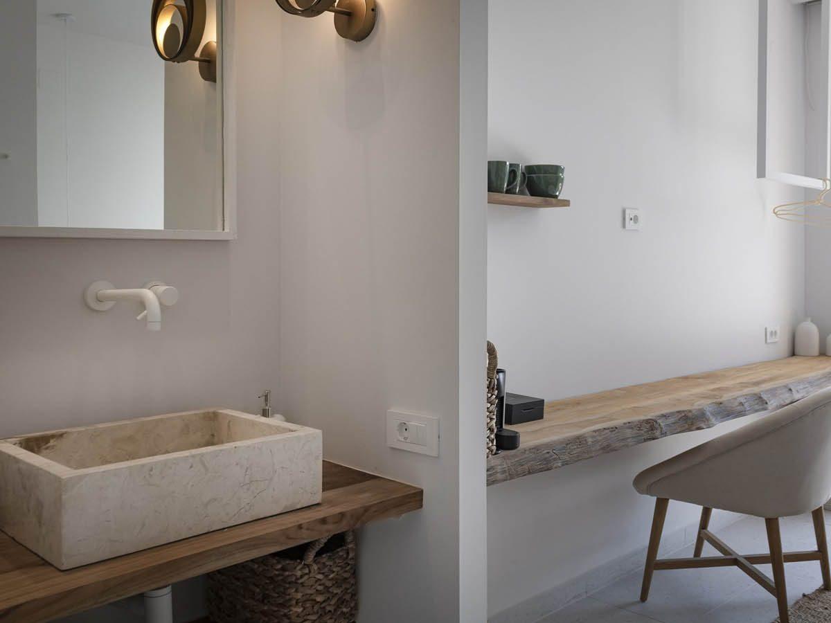 08 wooden desksink scaled 1 1200x900 - OIK5.12 Arion Seaside Suites