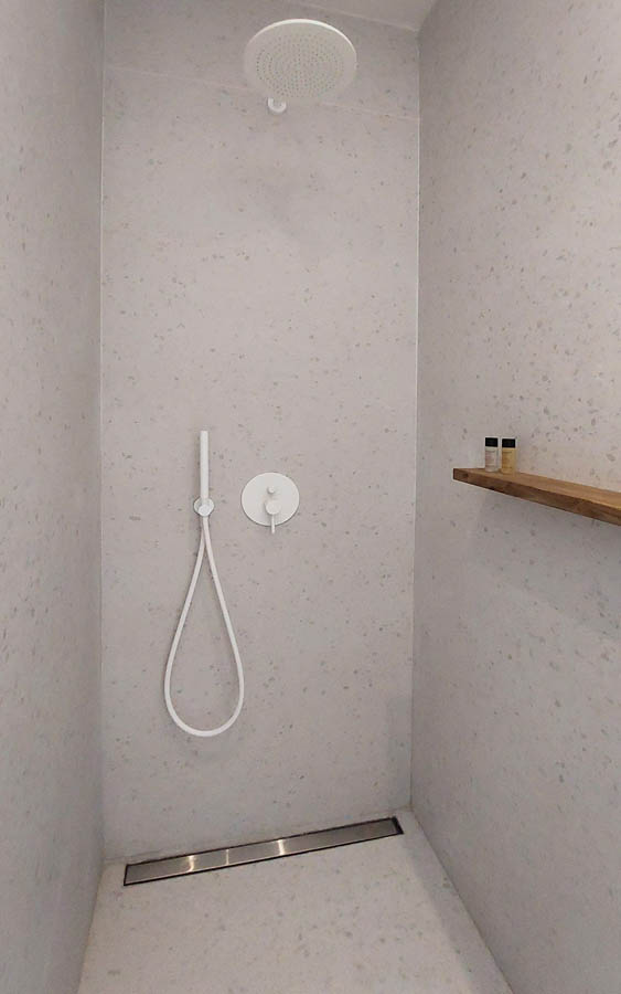 12 shower scaled 1 - OIK5.12 Arion Seaside Suites