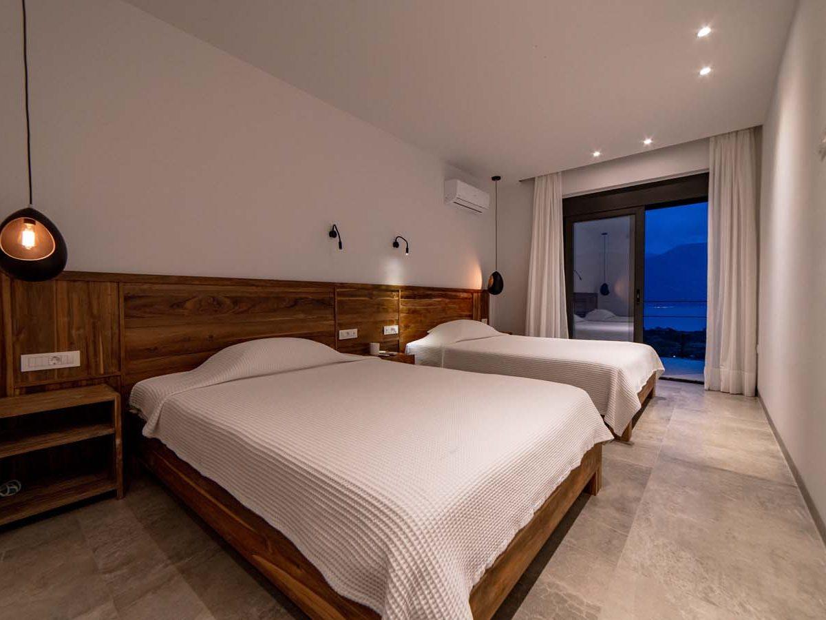 25 Villa Iris bedroom2 1200x900 - Villa Stone Iris