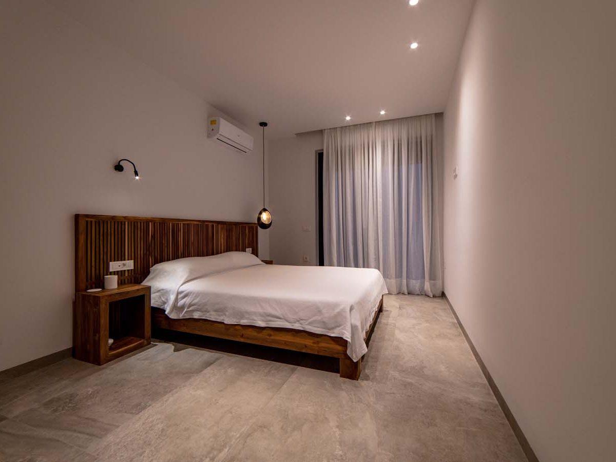 28 Villa Iris bedroom3  1 1200x900 - Villa Stone Iris