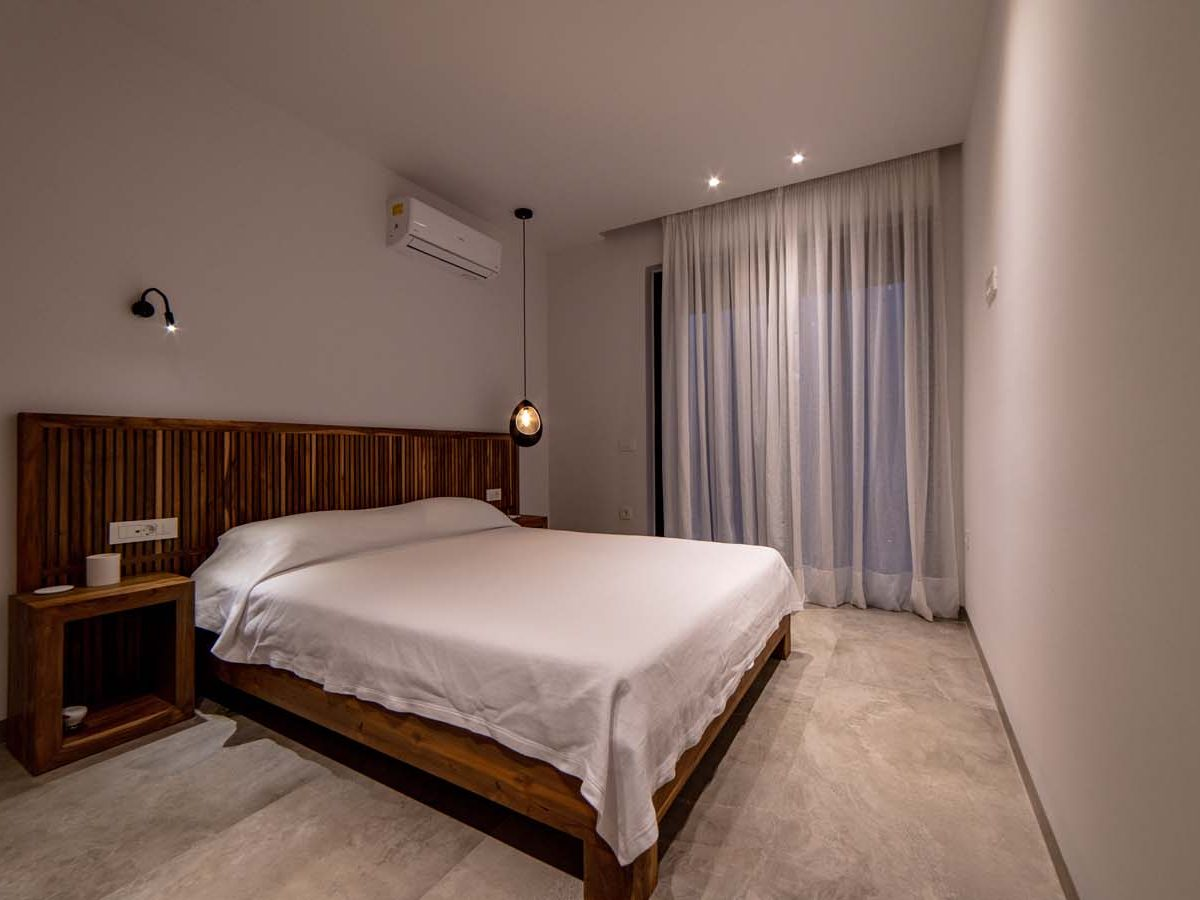 29 Villa Iris bedroom3 1200x900 - Villa Stone Iris