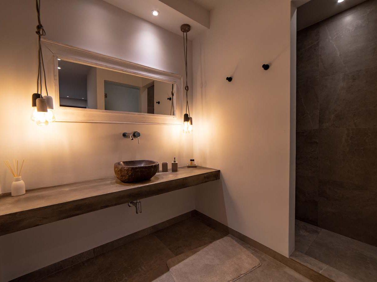 32 Villa Iris bedroom4 sink 1200x900 - Villa Stone Iris