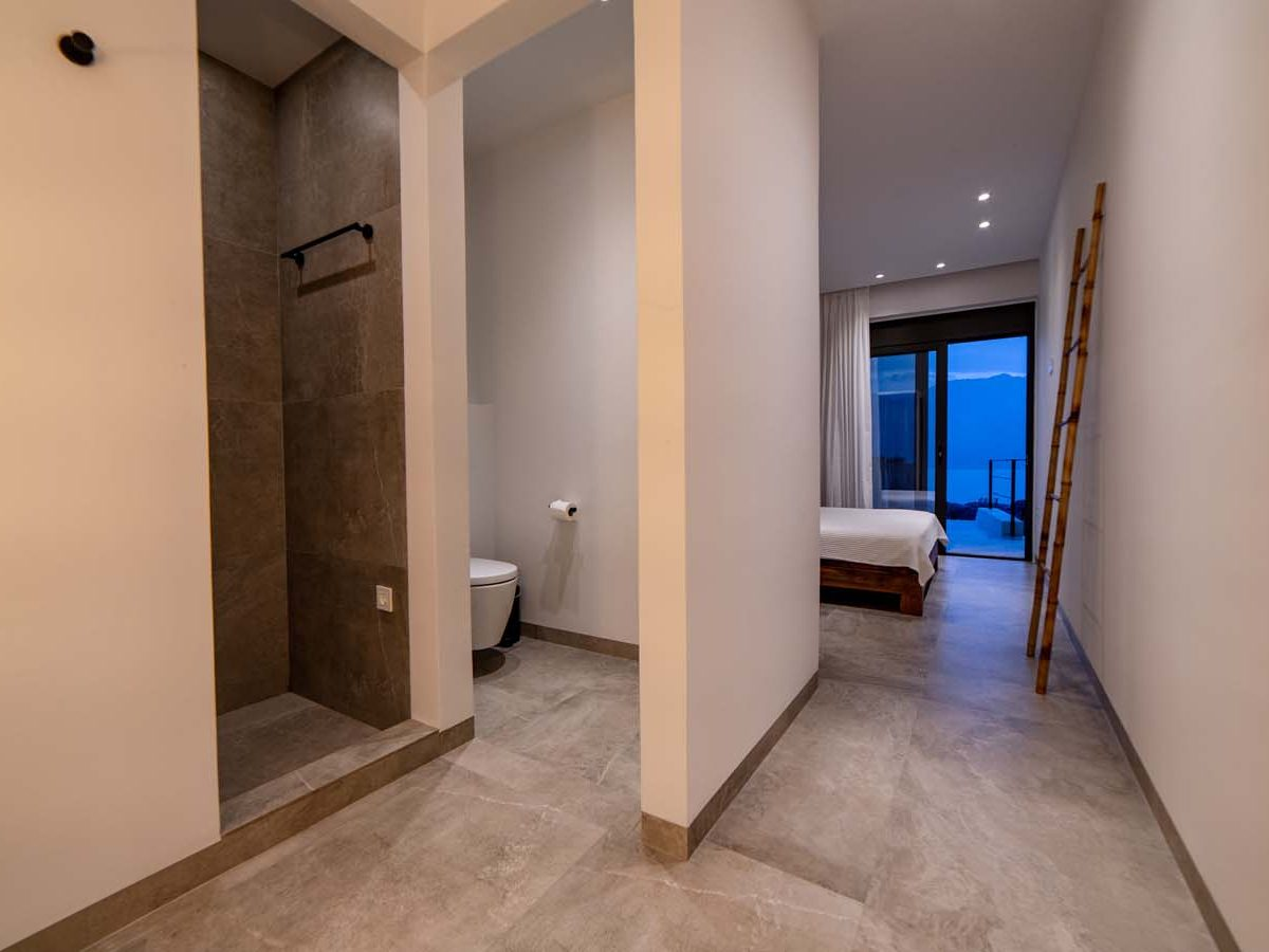 33 Villa Iris bedroom4 1200x900 - Villa Stone Iris
