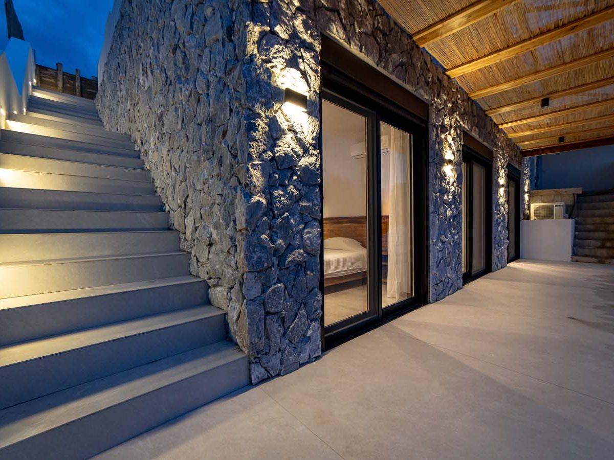 37 Villa Iris guest floor 1200x900 - Villa Stone Iris