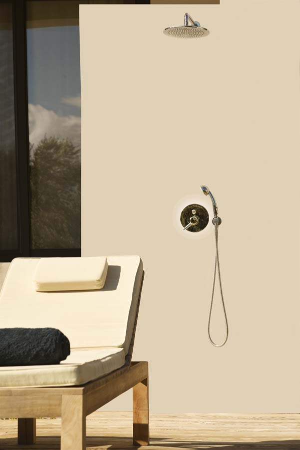 39 OIK59.2 POOLSIDE SHOWER - Villa Mouria