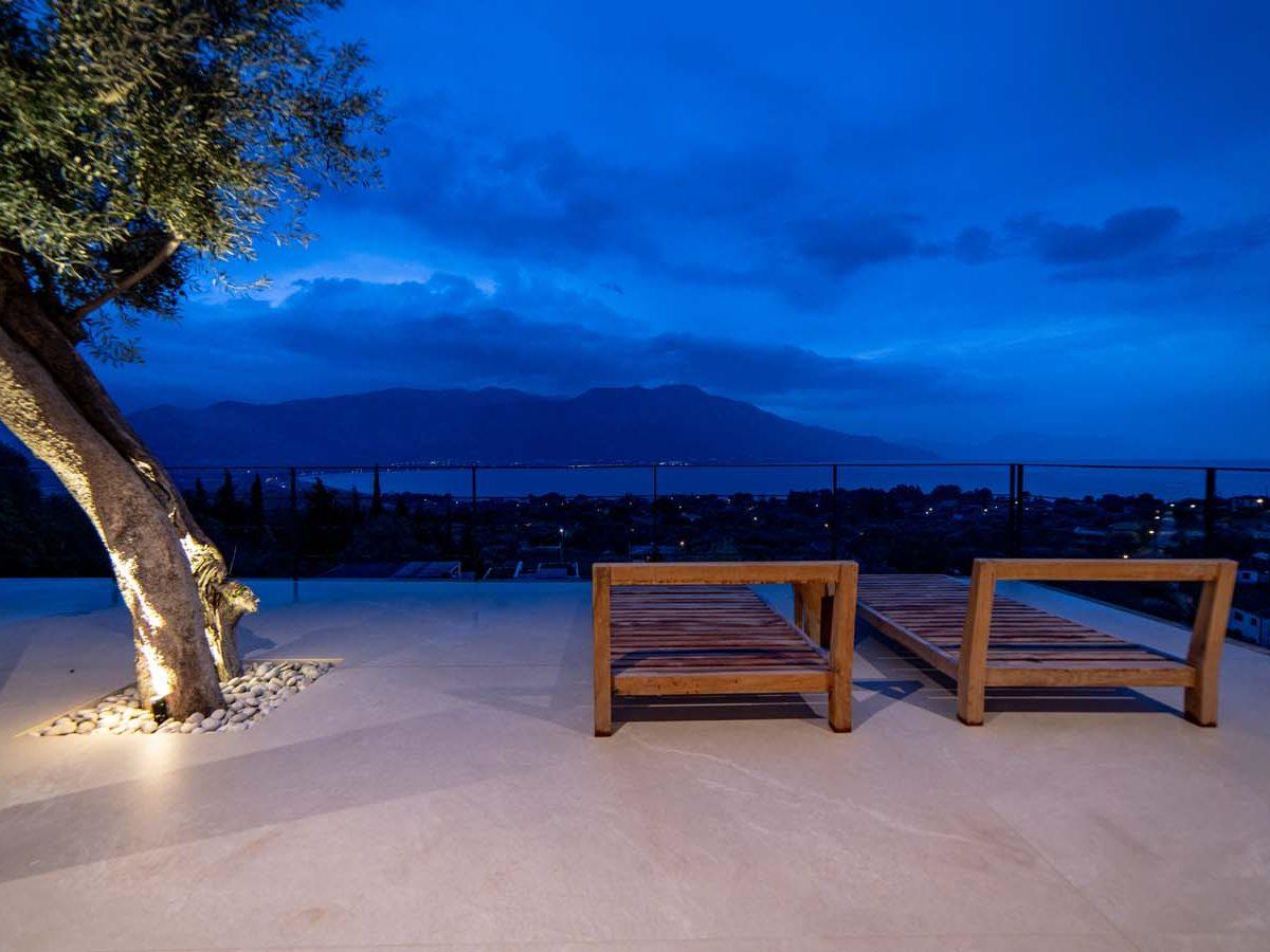 41 Villa Iris veranda main  2 1200x900 - Villa Stone Iris