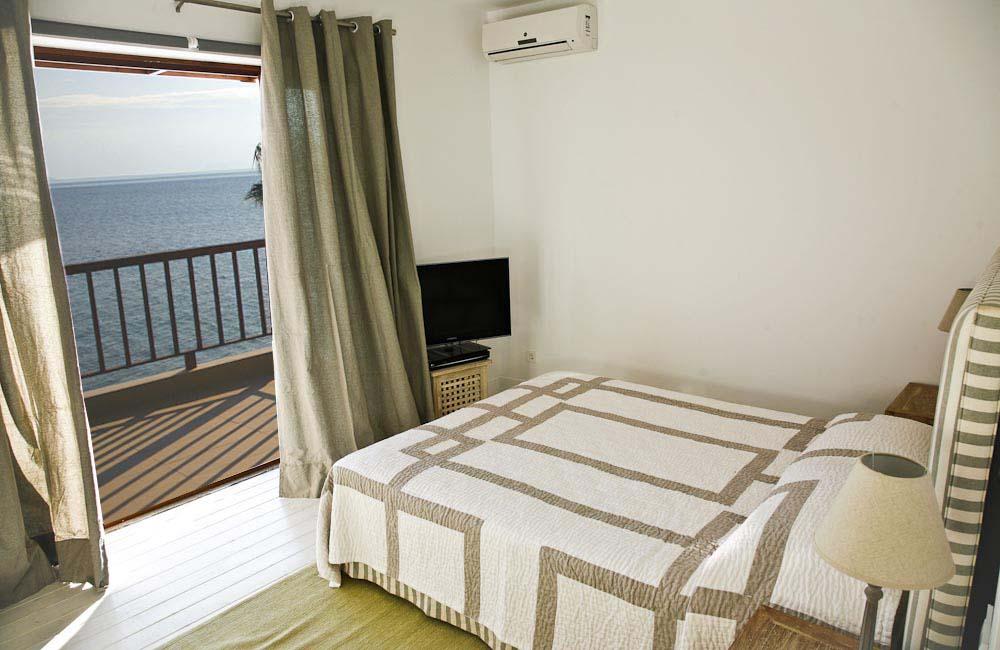 72 madouri villa rental 1st floor master bedroom - OIK1K1 Villa Madouri