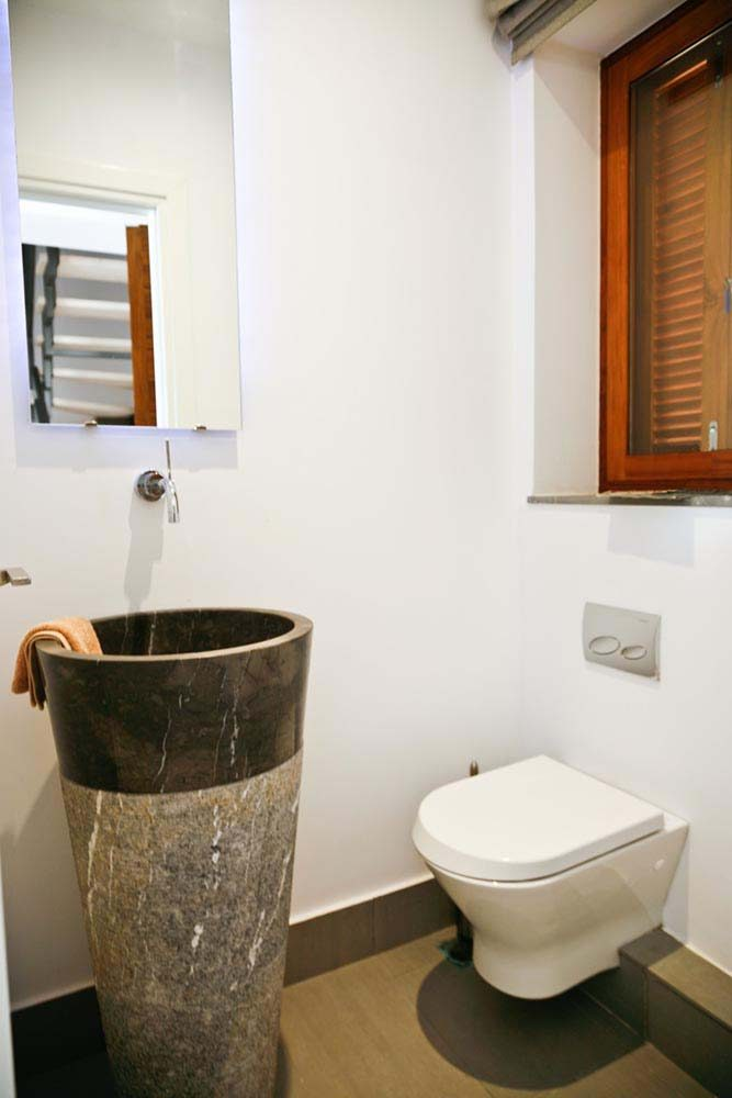 79 paleros luxury villa rent madouri ground floor bathroom 667x1000 - OIK1K1 Villa Madouri