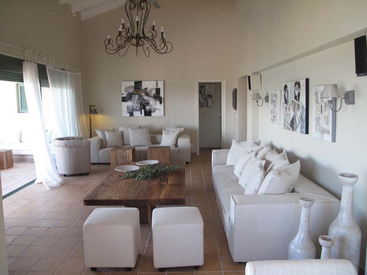 INTERIORS LIVING ROOM 1200x900 - OIK26 Villa Amalia