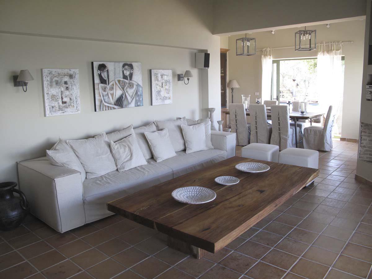 INTERIORS LIVING ROOM 4SEAT SOFA 1200x900 - OIK26 Villa Amalia