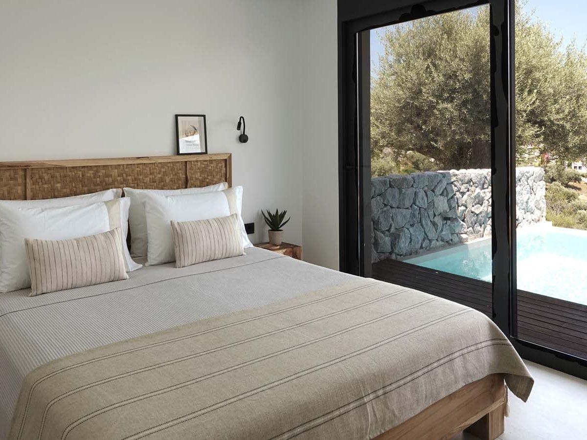 MASTER BEDROOM 3 1200x900 - OIK65.1.1 Villa Oryx