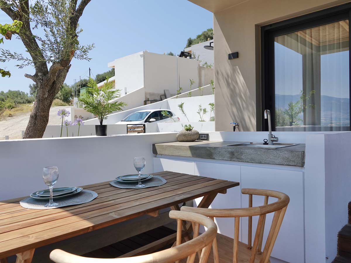 OUTDOOR DINING - OIK65.1.1 Villa Oryx