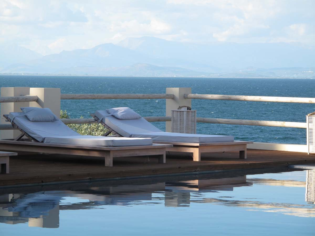 POOLS TEAKWOOD LUXURY LOUNGERS 1200x900 - OIK26 Villa Amalia