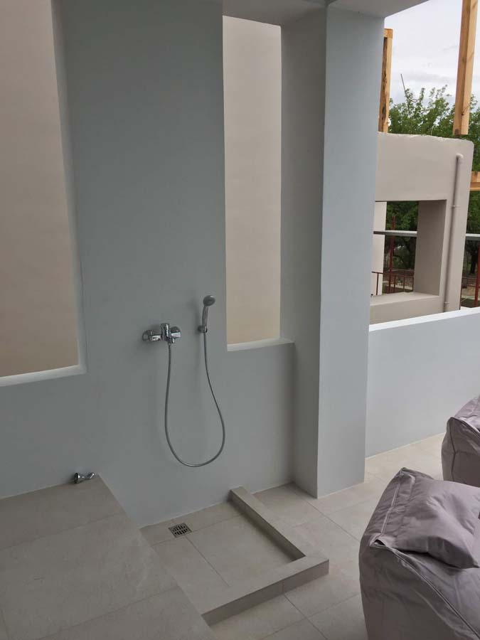 POOLSIDE SHOWER - OIK59.1 Villa Mytikas