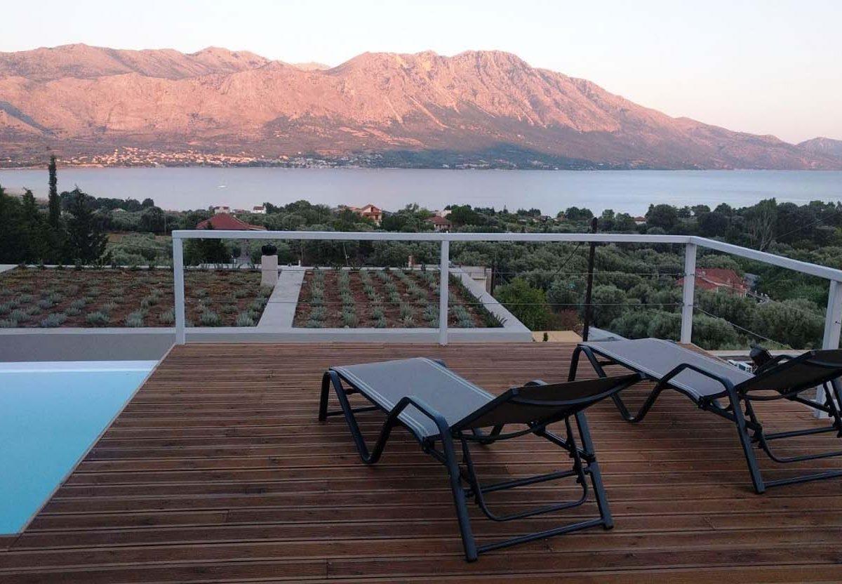 Sunloungers 1200x832 - OIK4.2.2 Villa Ioanna