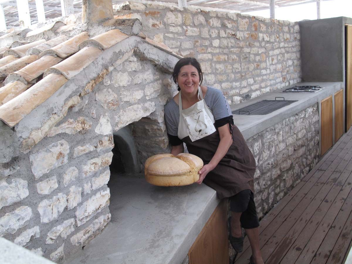 VILLAS COOK WITH WOOD OVEN BREAD 1200x900 - OIK26 Villa Amalia