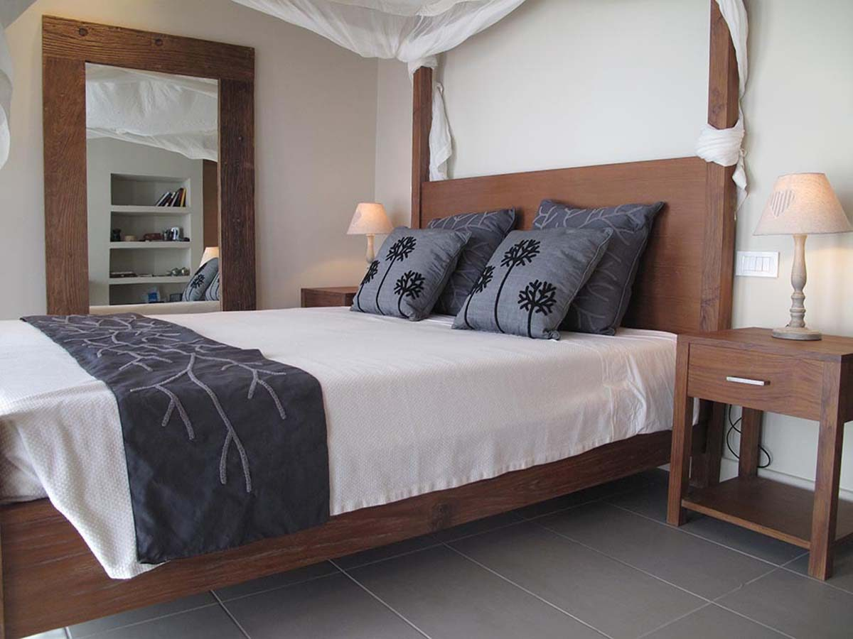 villa scorpios master bedroom 1200x900 - OIK1K3 Villa Scorpios